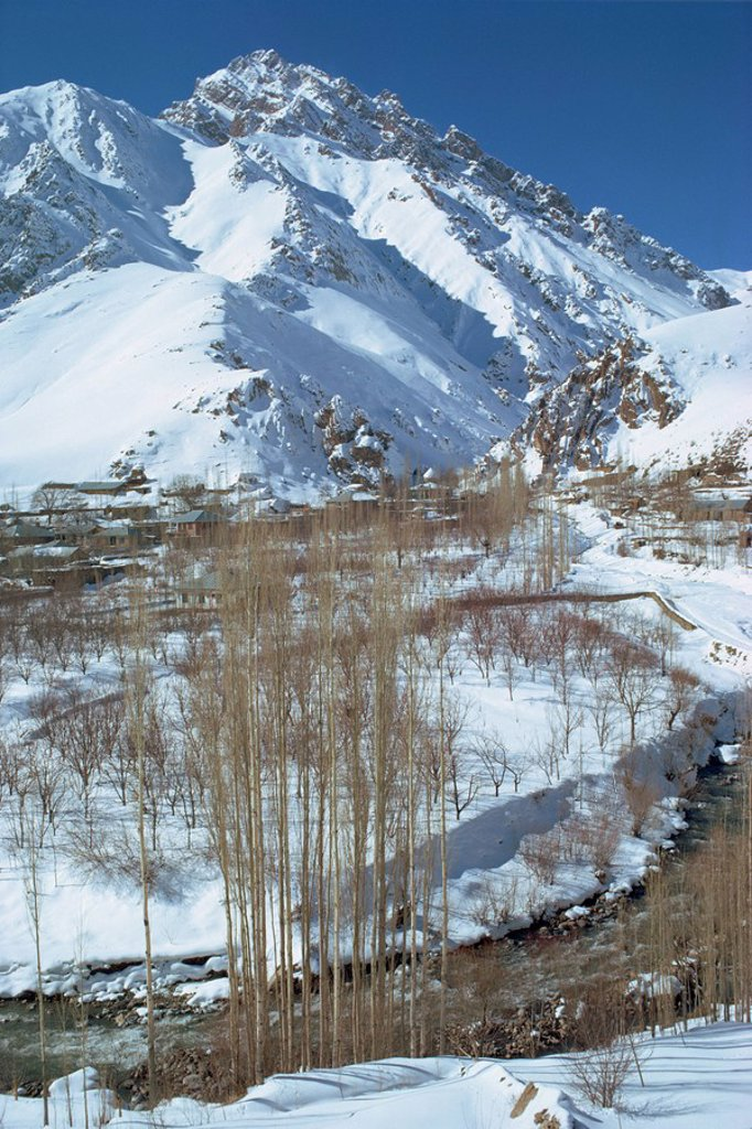 Stock Photo: 1890-6387 River running through a snow covered Elborz Valley during winter, Iran, Middle East
