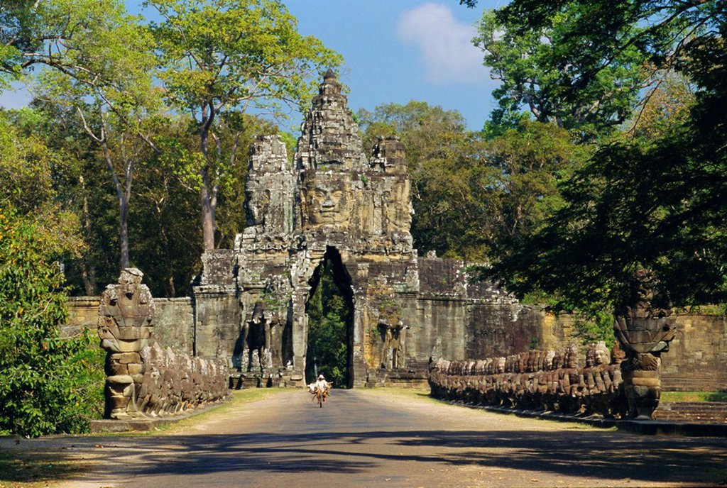Stock Photo: 1890-65035 Gateway to the Bayon Temple complex, Angkor, Siem Reap, Cambodia