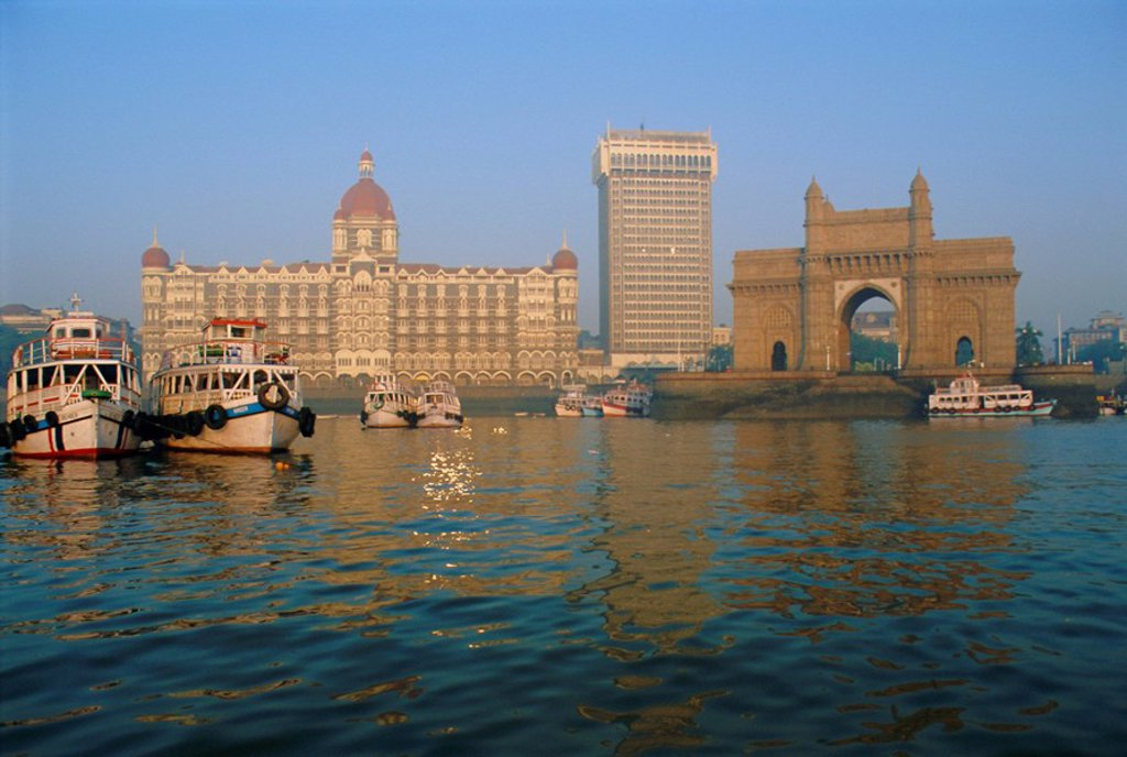Stock Photo: 1890-65165 Waterfront, the Taj Mahal Intercontinental Hotel and the Gateway to India, Mumbai, previously called Bombay, Maharashtra State, India