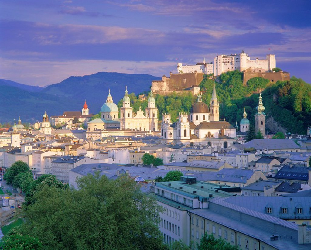Stock Photo: 1890-65426 Elevated view of the old city, Kollegienkirche and Cathedral domes, Salzburg, Tirol, Austria