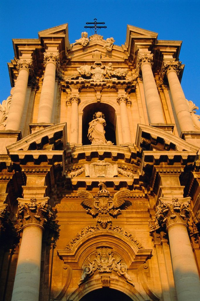 Stock Photo: 1890-65598 Syracuse Cathedral, Syracuse, Sicily, Italy, Europe
