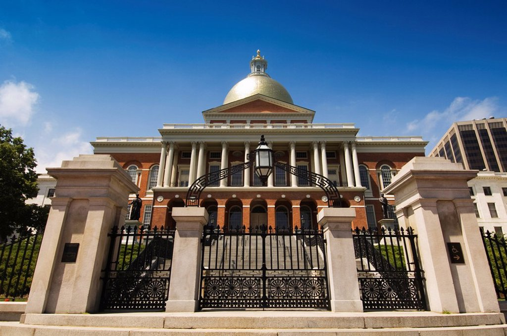 The Massachusetts State House, 1798, designed by Charles Bulfinch, Boston, Massachusetts, USA : Stock Photo