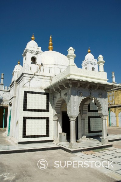 Stock Photo: 1890-71673 Tomb of relative of Aurangzeb, Khuldabad, Maharashtra, India