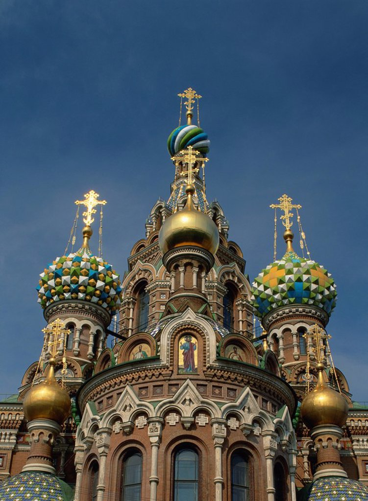 Golden and decorated domes of the Church of the Spilled Blood in St. Petersburg, Russia, Europe : Stock Photo