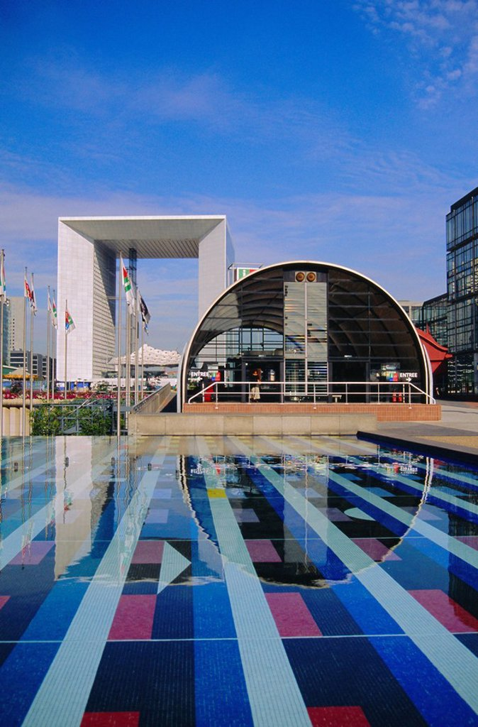Stock Photo: 1890-75584 La Defense, Paris, France