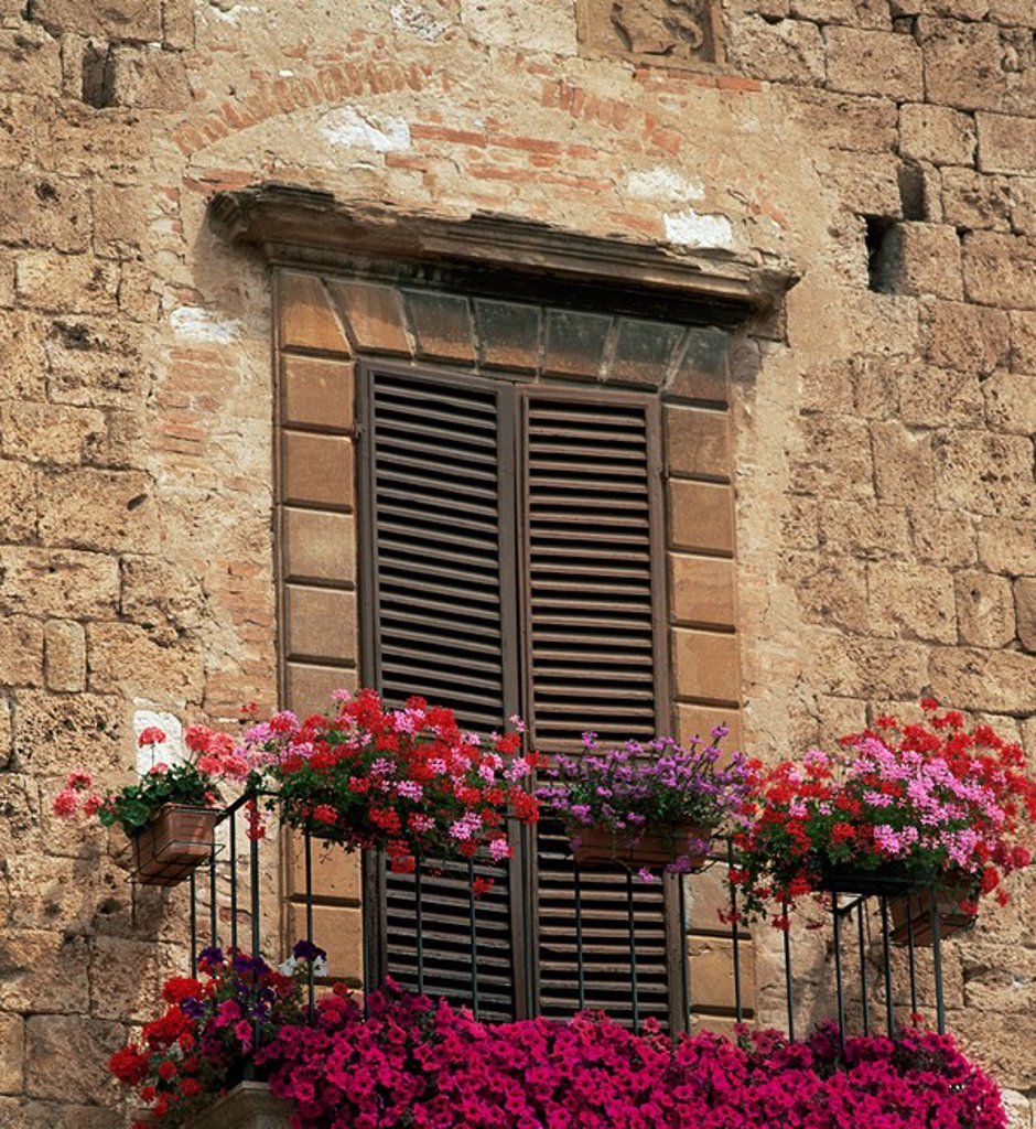 Stock Photo: 1890-7587 Flower covered balcony, Colle di Val d´Elsa, Tuscany, Italy, Europe