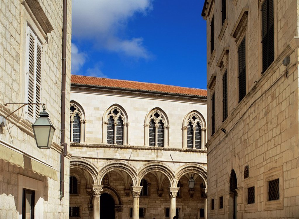 Stock Photo: 1890-7640 Colonnade on the Rector´s Palace, Dubrovnik, Croatia, Europe