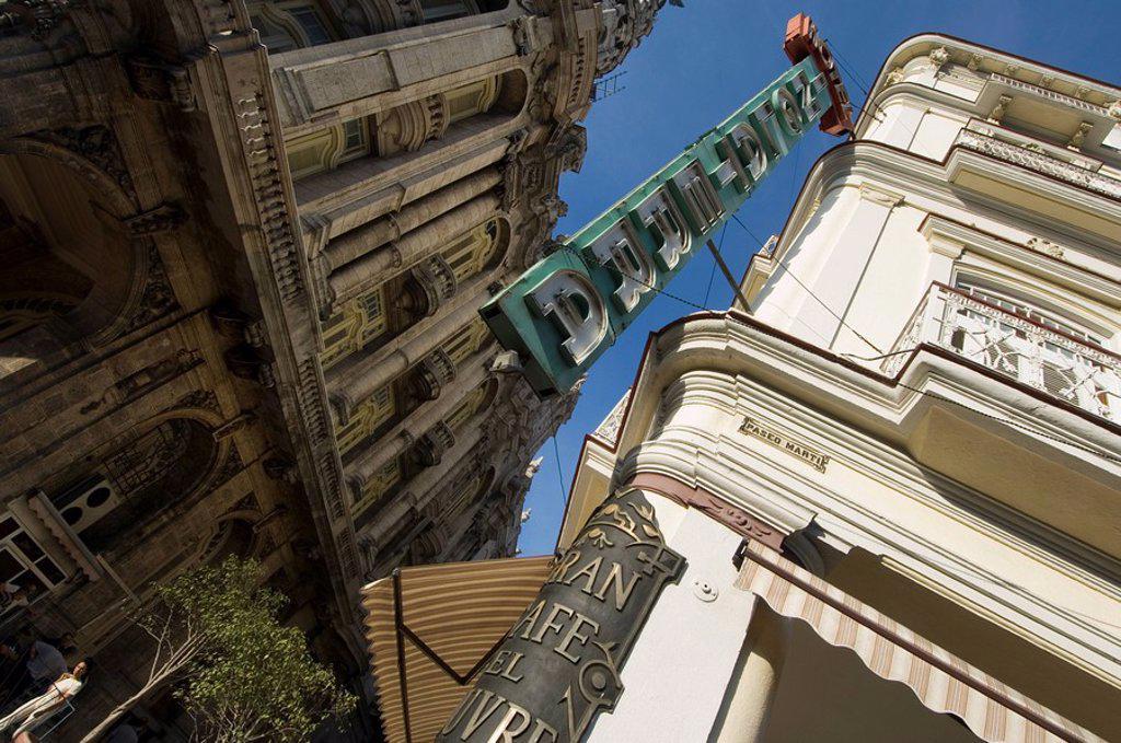 Stock Photo: 1890-77734 Streets of Havana, Cuba