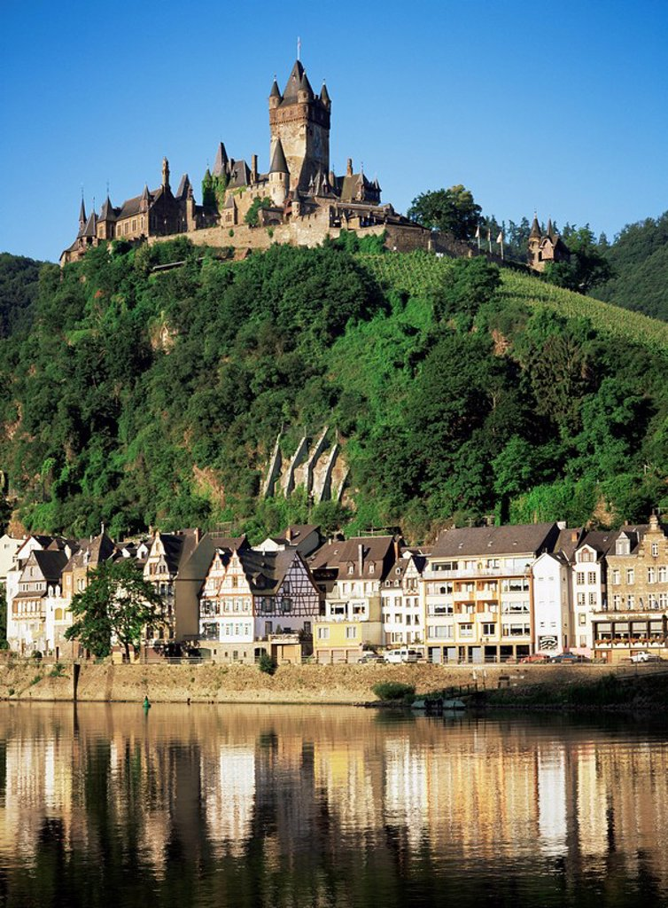 Stock Photo: 1890-80011 Cochem, River Mosel, Rhineland_Pfalz, Germany, Europe