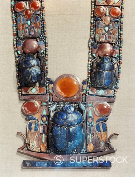 Stock Photo: 1890-81336 Pendant in the form of a boat showing a scarab, the symbol of the god´s resurrection, flanked by two royal serpents, from the tomb of the pharaoh Tutankhamun, discovered in the Valley of the Kings, Thebes, Egypt, North Africa, Africa