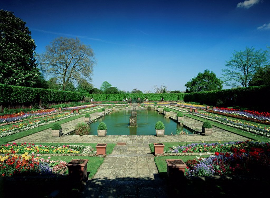 Stock Photo: 1890-8463 Sunken garden, Kensington Gardens, Kensington, London, England, United Kingdom, Europe