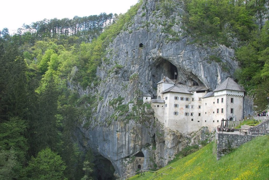 Stock Photo: 1890-88433 Predjama Castle, built in mouth of cave, near Postojna, Slovenia, Europe
