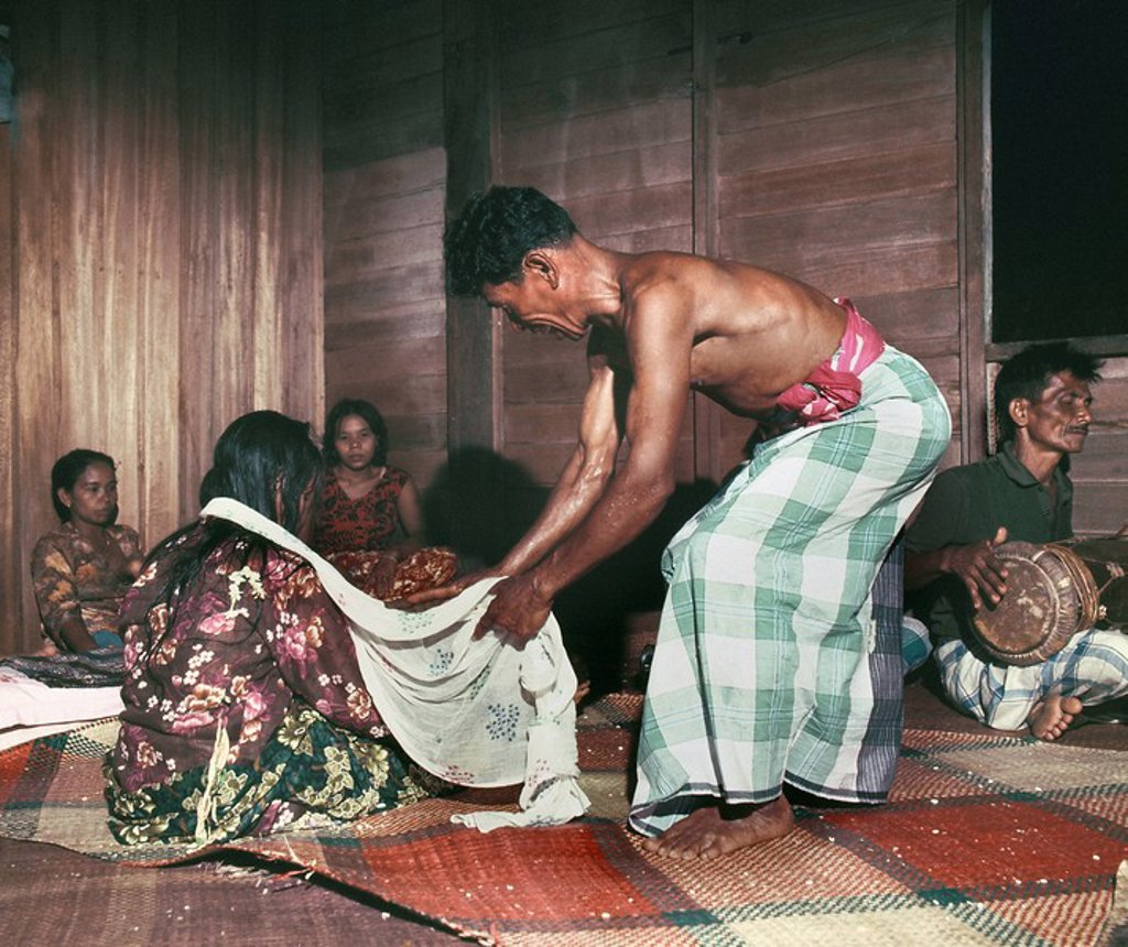 Folk medicine practitioner, Bomoh, Malaysia, Southeast Asia, Asia : Stock Photo