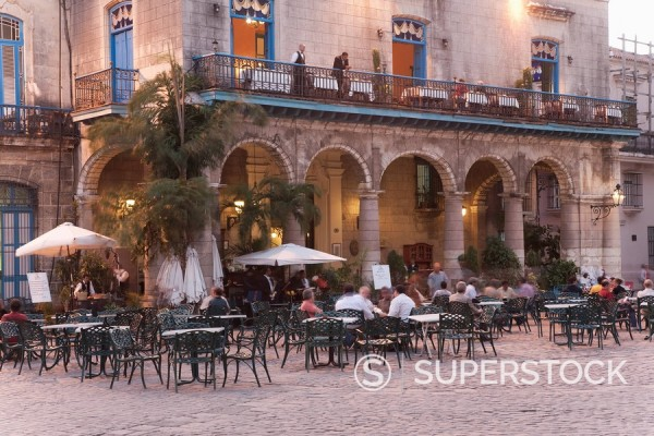 Stock Photo: 1890-92722 Plaza de la Catedral, Havana, Cuba, West Indies, Central America