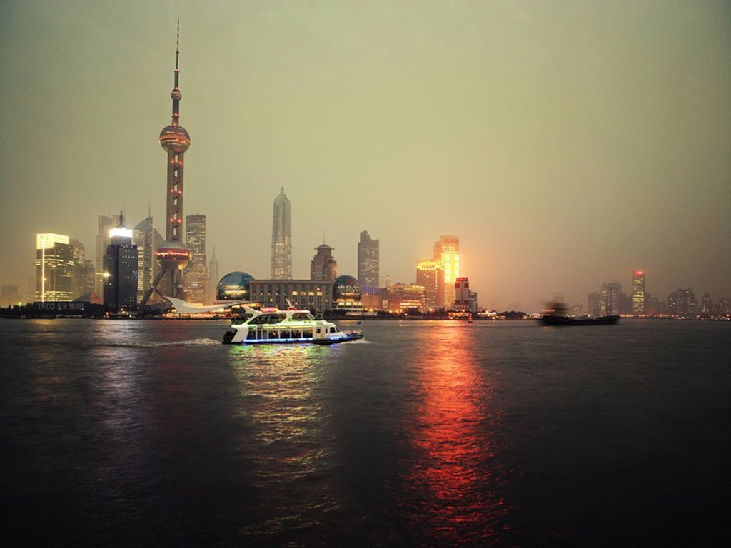 Stock Photo: 1890-94491 Shipping on Huangpu river, Shanghai, China, Asia