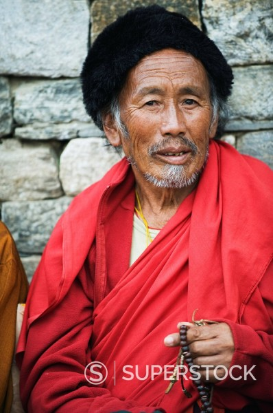 Pilgrims at the National Memorial Chorten, Thimphu, Bhutan, Asia : Stock Photo
