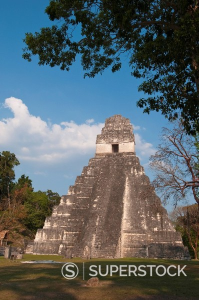 Stock Photo: 1890-98149 Gran Plaza and Temple I, Mayan archaeological site, Tikal, UNESCO World Heritage Site, Guatemala, Central America