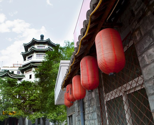 Stock Photo: 1891-233 Chinese lanterns hanging at a building, Beijing, China