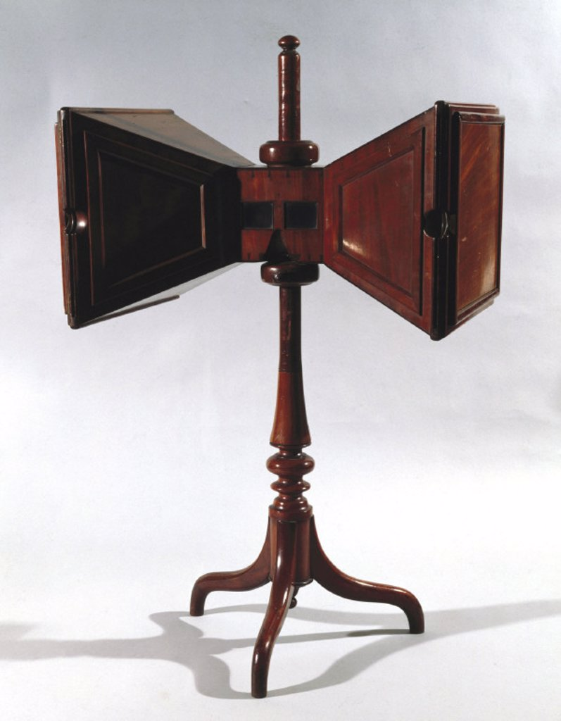 Stock Photo: 1895-12146 Wheatstone stereoscope, c 1850.