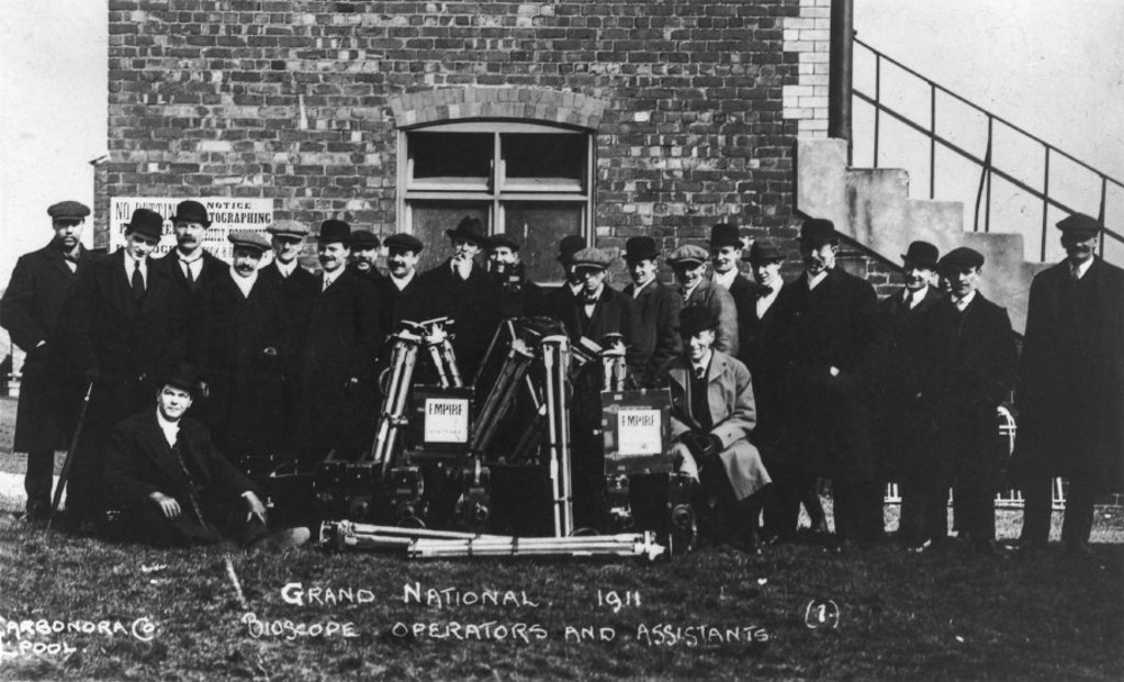 Stock Photo: 1895-14784 Bioscope operators and assistants, Grand National, Aintree, Liverpool, 1911.