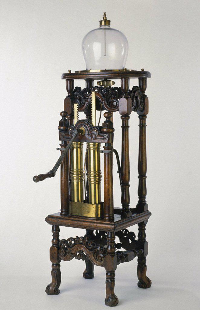 Hauksbee´s air pump, c 1709. : Stock Photo