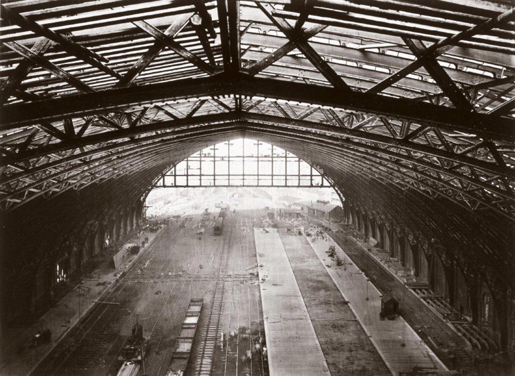 St Pancras station roof, London, 1868. : Stock Photo
