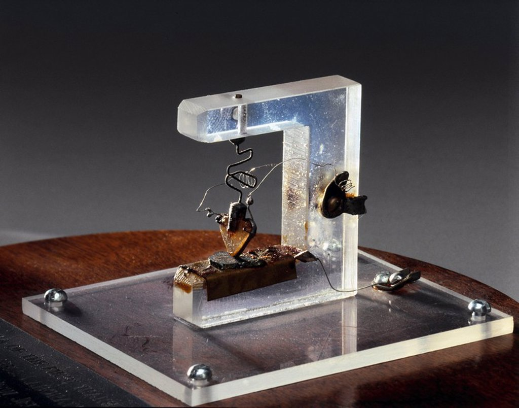 Stock Photo: 1895-15492 First working transistor, 1947.