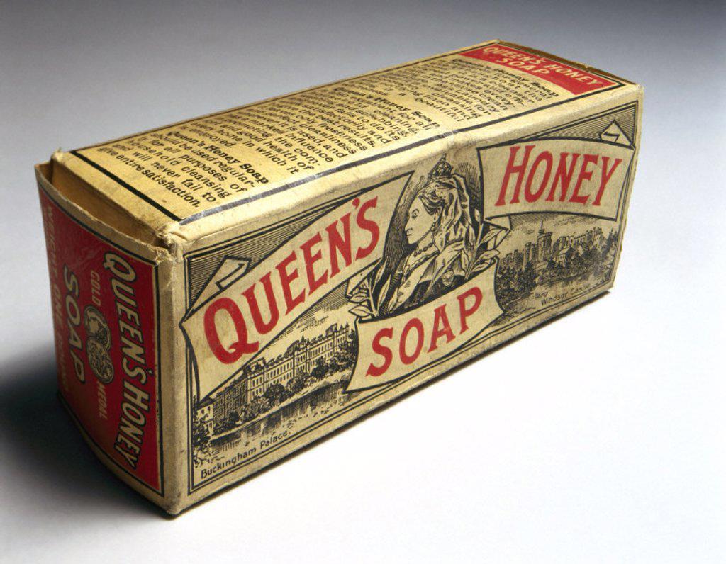 Packet of ´Queen´s Honey´ soap, c 1890-1914. : Stock Photo