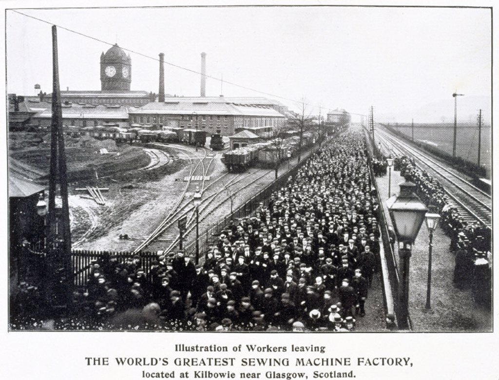 Workers leaving the Singer Sewing Machine Factory at Kilbowie, c 1900. : Stock Photo