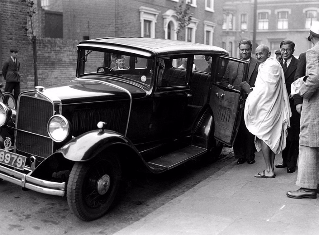 Mahatma Gandhi in London, 2 October 1931 : Stock Photo