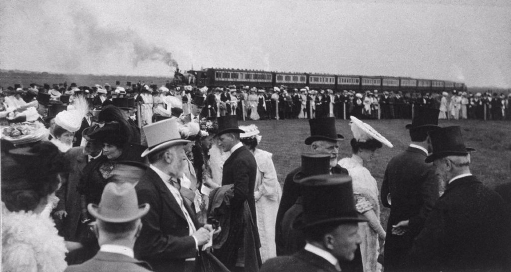 The opening of GCR's Immingham Dock, Lincolnshire, 22 July 1912. : Stock Photo