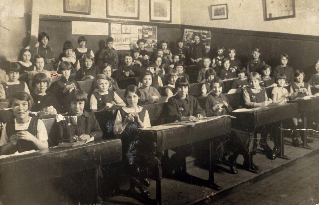 Classroom full of primary school girls, Birmingham, West Midlands, c 1928. : Stock Photo