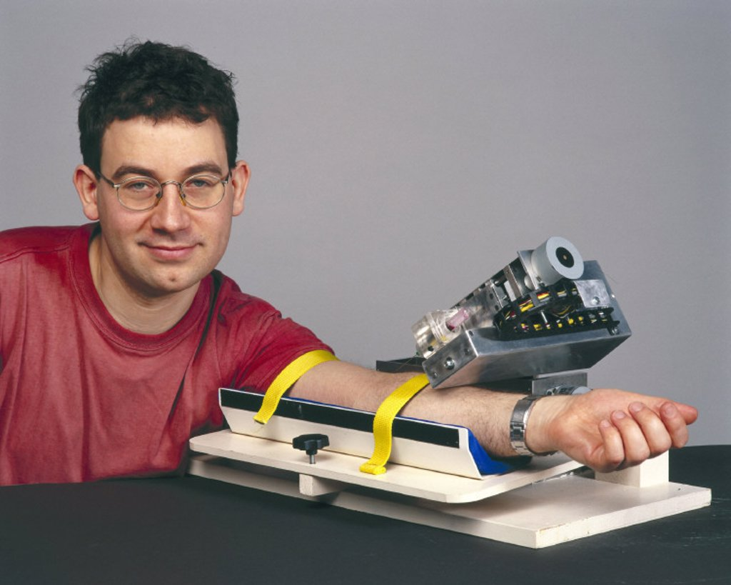Stock Photo: 1895-20037 ´Bloodbot´ with inventor Alex Zivanovic, March, 2001.