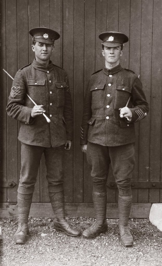 Two British soldiers, 1914-1918. : Stock Photo