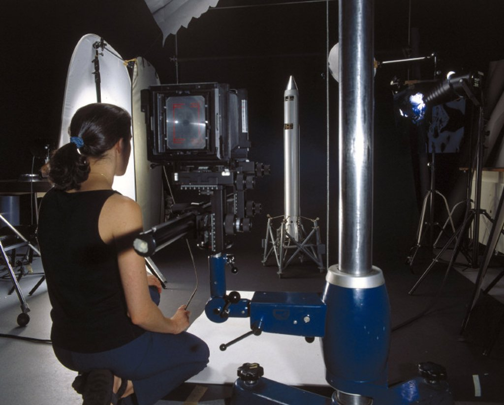 Photographing an object, Science Museum Photo Studio, July 2001. : Stock Photo