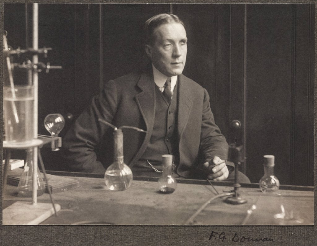 Stock Photo: 1895-22574 Frederick George Donnan, chemist, 1914.