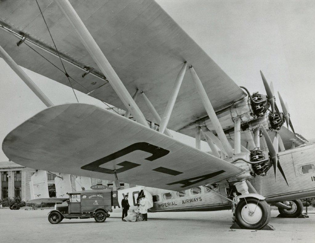 Stock Photo: 1895-24006 Handley Page ´Horatius´, Croydon Airport, Greater London, c 1930s.