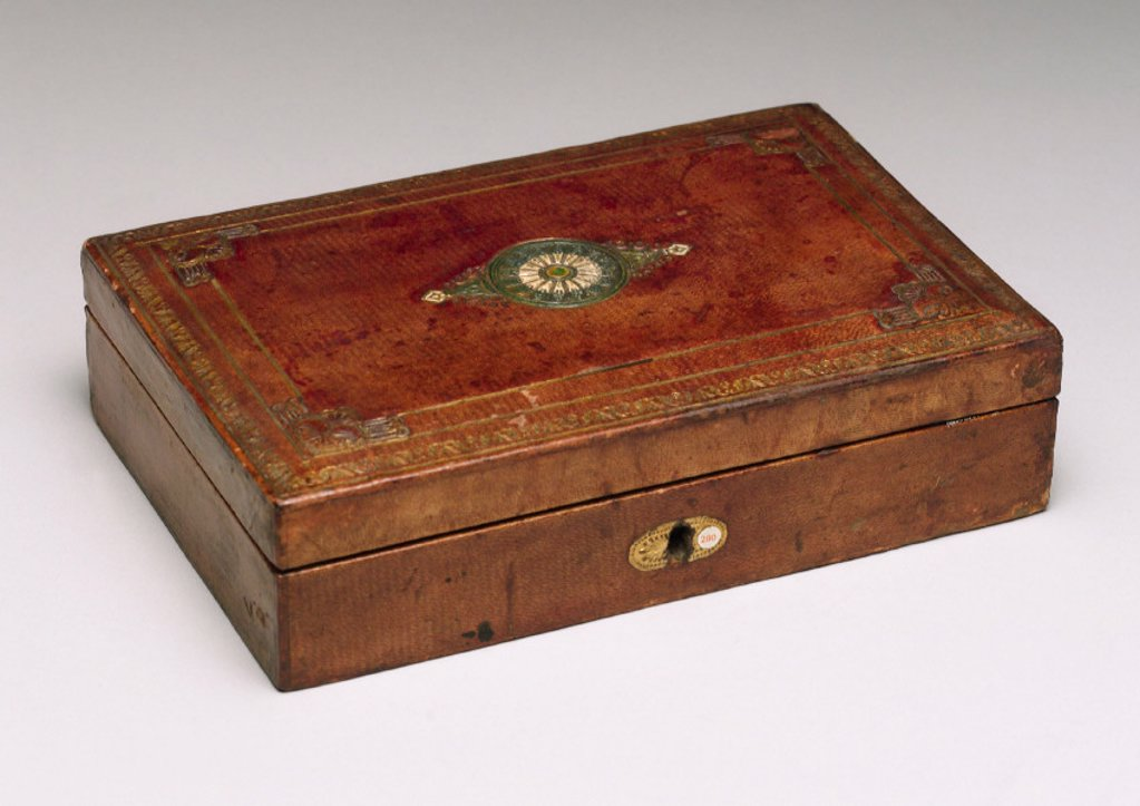 Stock Photo: 1895-24746 Homeopathic medicine chest, 1830-1850.