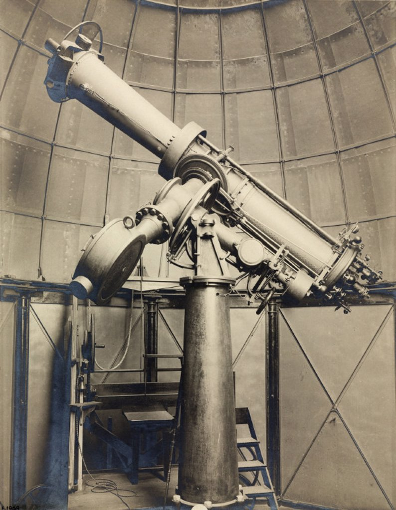 Stock Photo: 1895-25580 Seven inch heliometer, Cape Town, South Africa, 1909.