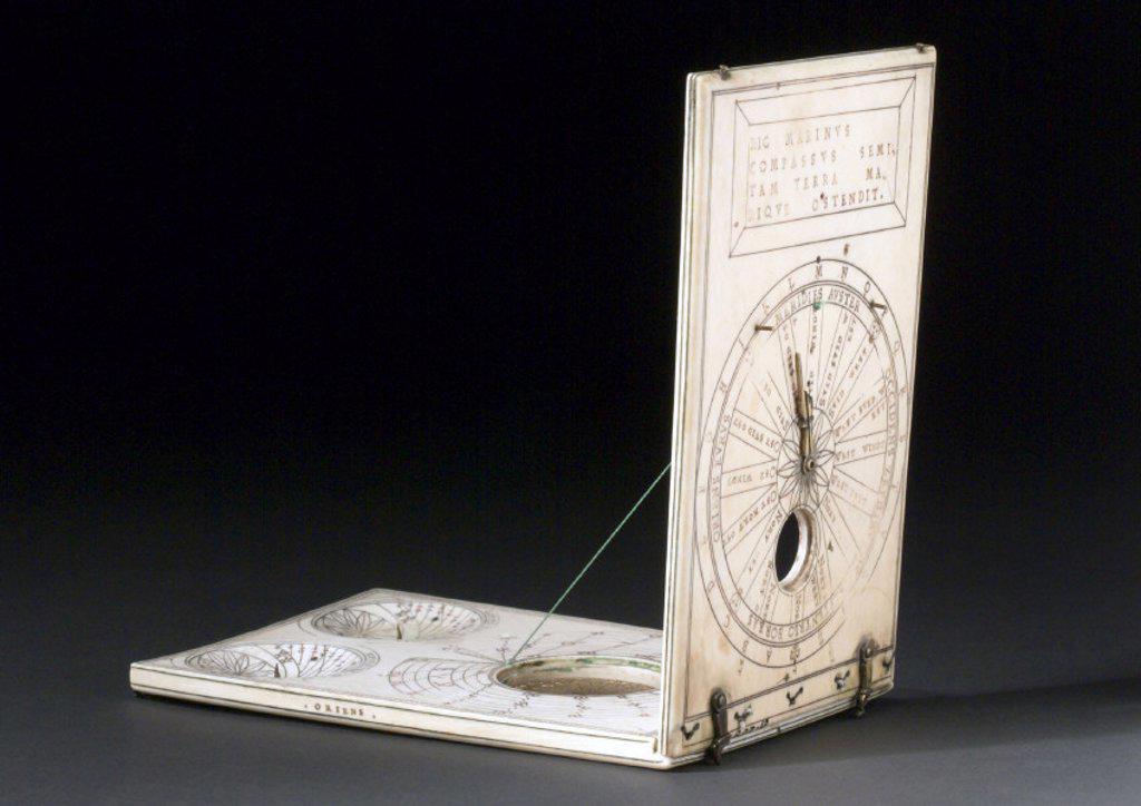 Ivory diptych sundial, 1589. : Stock Photo
