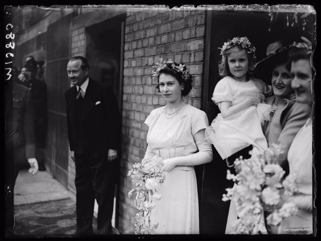 Bridesmaid Princess Elizabeth at a wedding, 1946 : Stock Photo