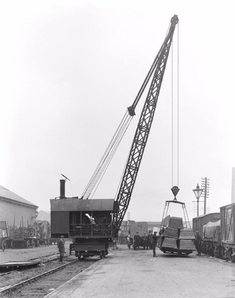 Steam crane at Burnley, 1919 : Stock Photo