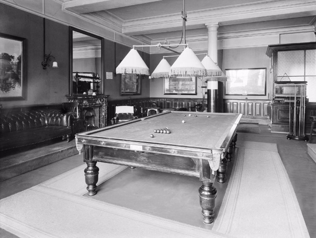 Smoking and billiards room at the Holyhead Hotel, Anglesey, c 1924. : Stock Photo