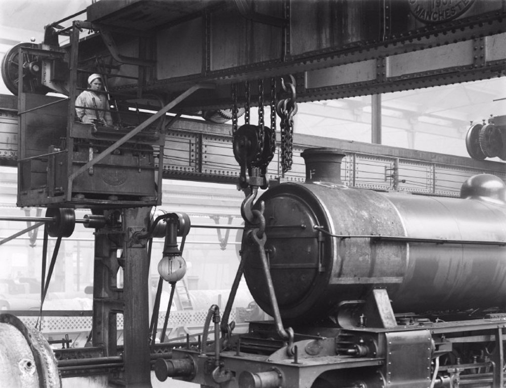 Overhead crane at Doncaster works, 1919 : Stock Photo
