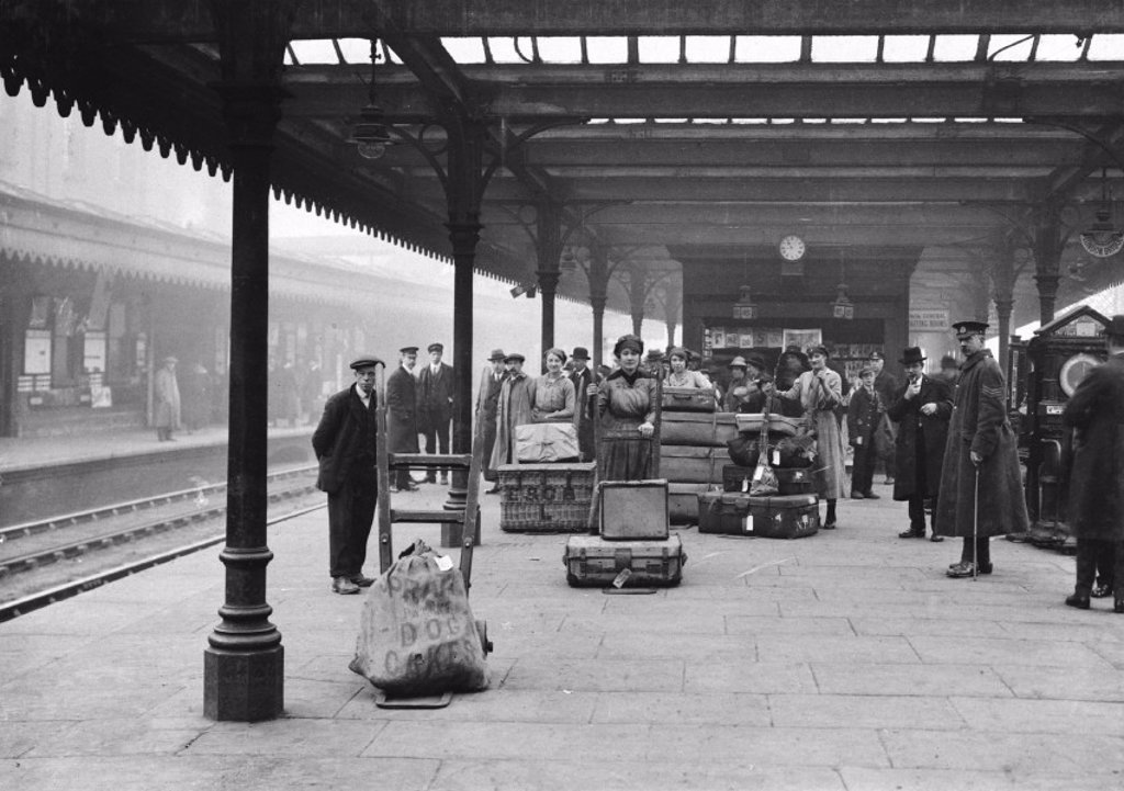 Porters at a railway station, c 1918 : Stock Photo