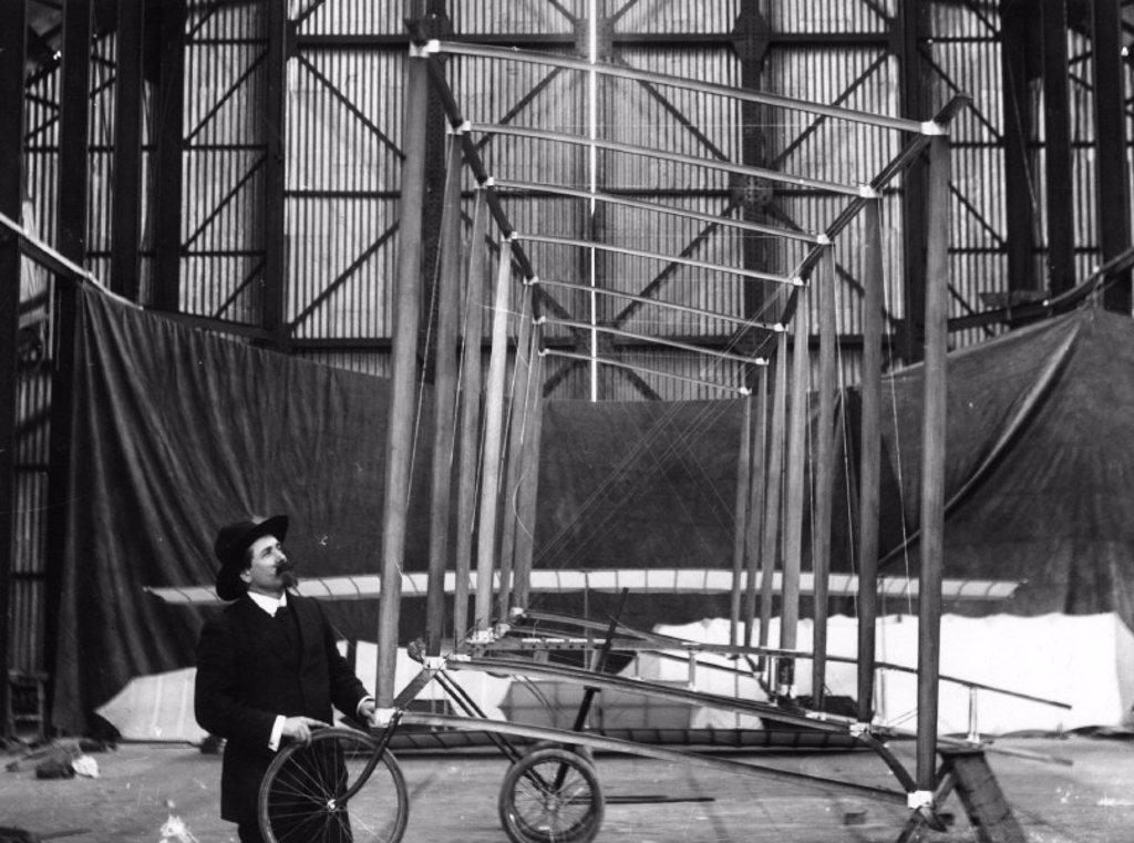Samuel Franklin Cody, American-born British pioneer of aviation, 1909. : Stock Photo