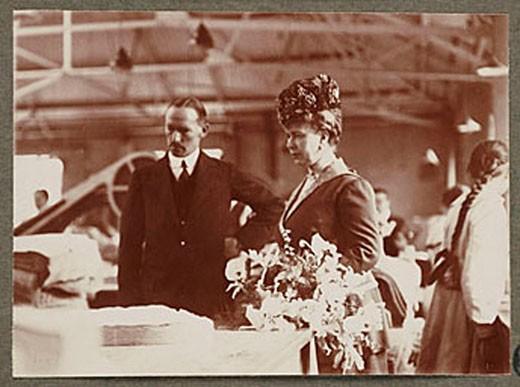 Stock Photo: 1895-43635
