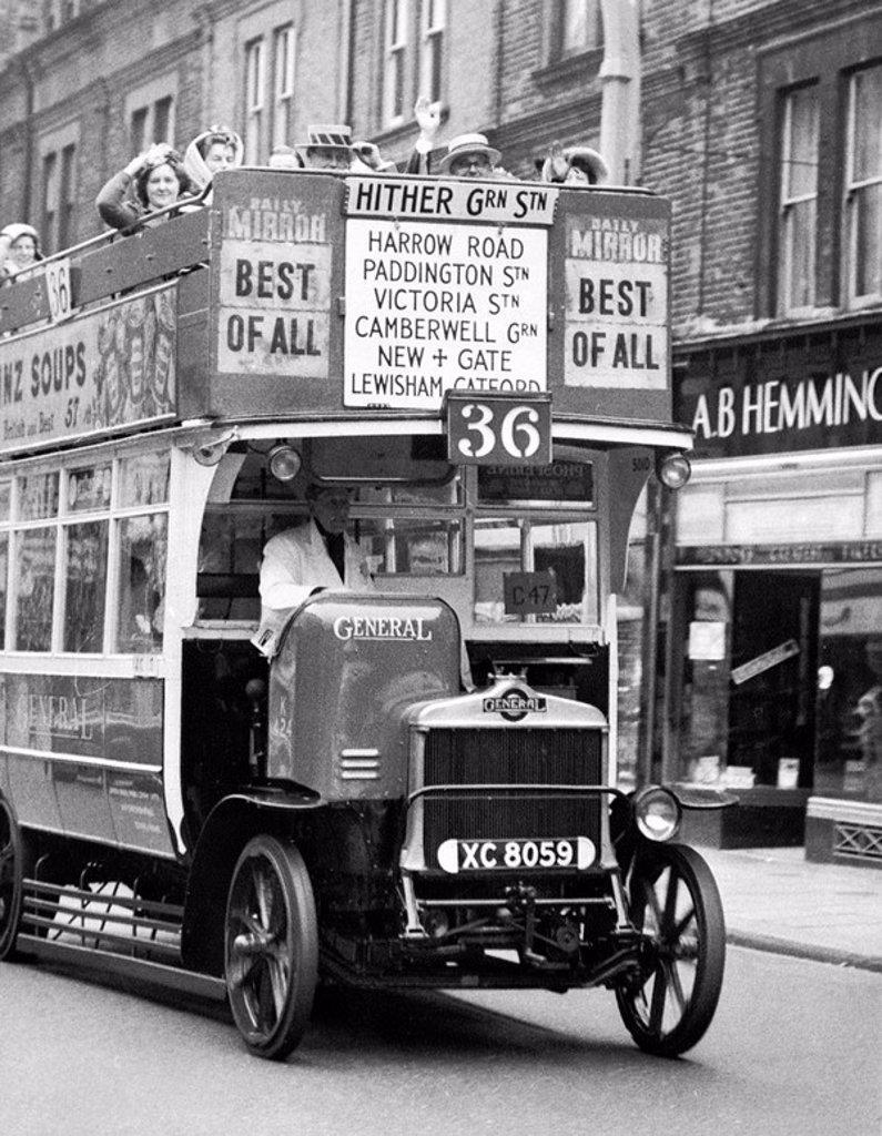 Stock Photo: 1895-47470 Omnibus, London, May 1962