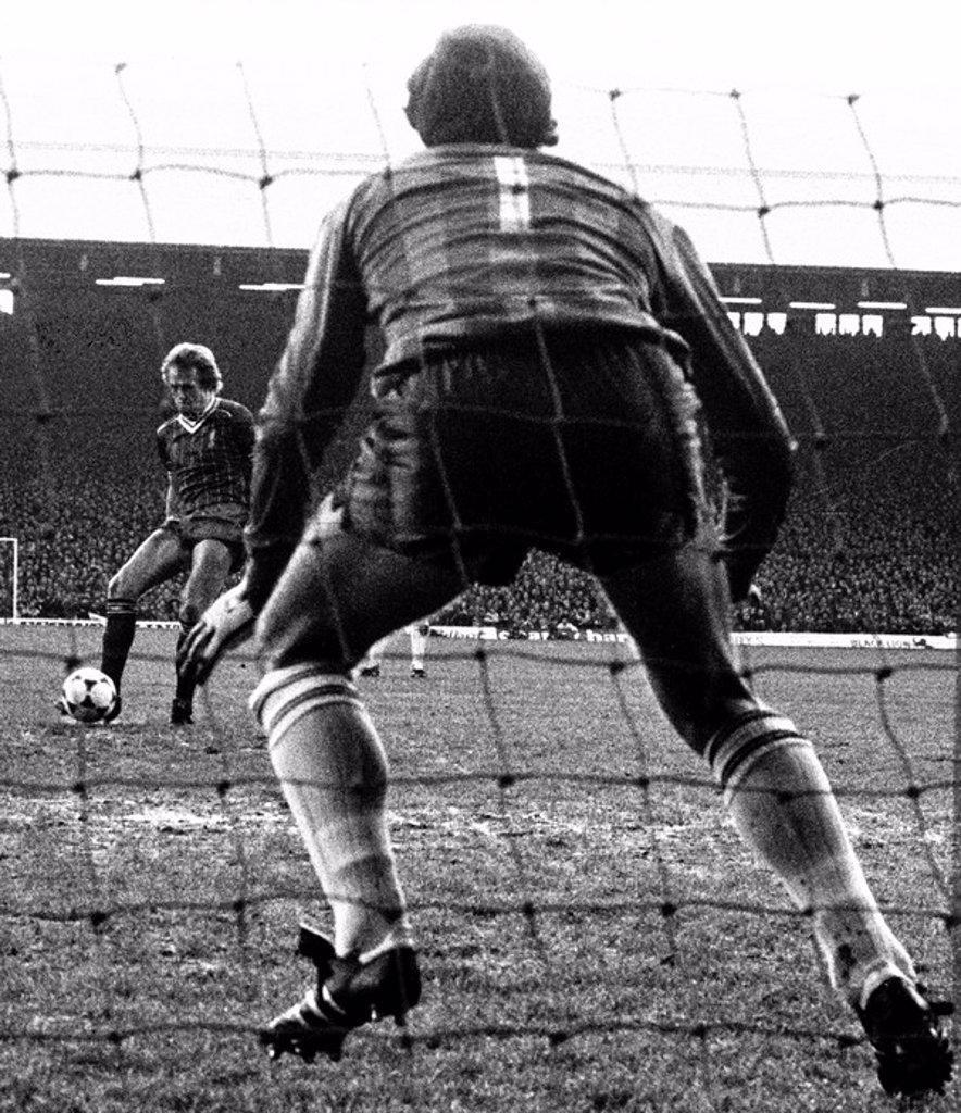 Stock Photo: 1895-47797 Liverpool v Spurs, 28 November 1982