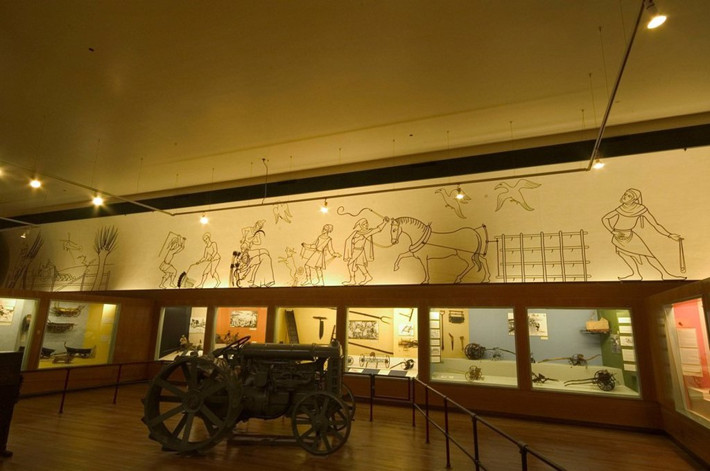 Stock Photo: 1895-47918 Frieze, Agriculture Gallery, Science Museum, London, 2007
